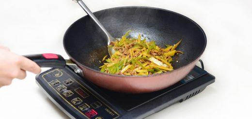 Comment choisir sa plaque de cuisson à induction parmi la pléthore de modèle qui inondent le marché. On vous donne des clés pour vous faufiler à travers cette jungle.