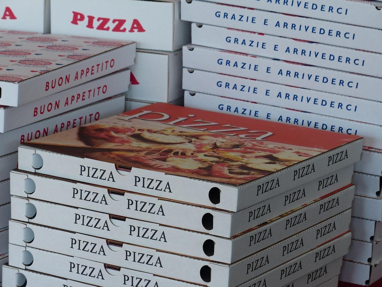 L'histoire de la pizza, le fast-food le plus populaire au monde a des racines anciennes, mais c'est un sceau d'approbation royale qui l'a mis sur la voie de la domination mondiale.